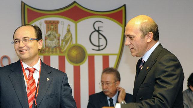 José Castro y José María del Nido, en una junta del Sevilla (Jesús Spínola)