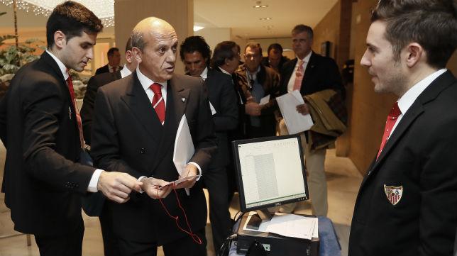 José María del Nido, en la junta de accionistas del Sevilla EFE)