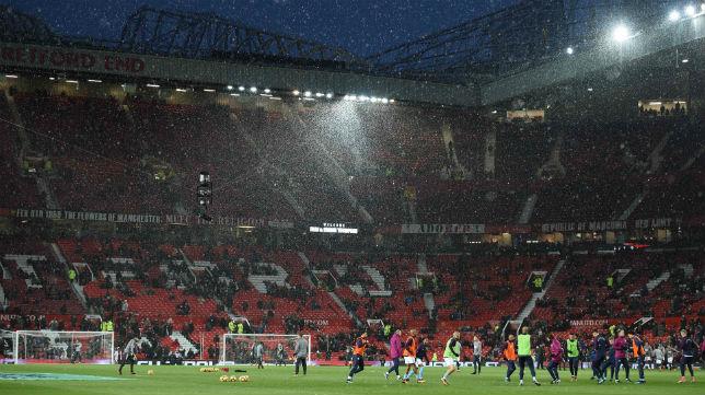 Panorámica de Old Trafford (El teatro de los sueños) antes del derbi de Manchester jugado el 10 de diciembre (Foto: AFP)