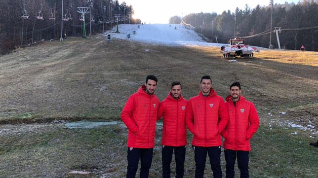 Sergio Rico, Sarabia, David Soria y Escudero, los jugadores del Sevilla que han paseado por Maribor (sergiorico25)