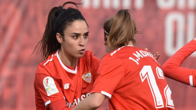 Piemonte y Jenni Morilla celebran un gol