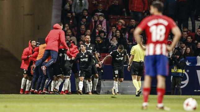 Los jugadores del Sevilla celebran el segundo gol en el Wanda Metropolitano. Foto: Sevilla FC