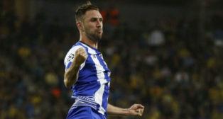 Miguel Layún celebra un gol con el Oporto (Foto: Reuters)