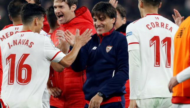 Vincenzo Montella y Jesús Navas, en el Sevilla-Atlético (EFE)