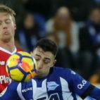 Kjaer, en un lance del Alavés-Sevilla FC