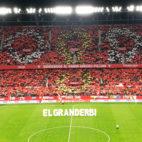Mosaico en el Sánchez-Pizjuán durante el himno del Centenario