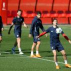 Escudero, en el entrenamiento del Sevilla (AFP)