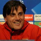Montella, en una rueda de prensa del Sevilla para la Champions League (AFP)