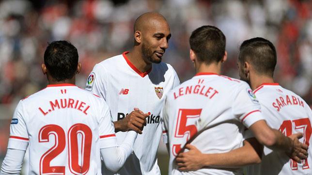 Muriel, Nzonzi, Lenglet y Sarabia, en el Sevilla-Girona (AFP)