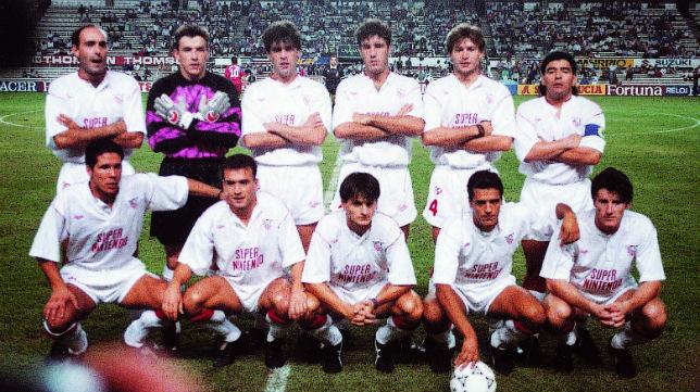 Contra el Bayern, en 1992, el Sevilla formó con Unzué, Martagón, Bango, Prieto, Del Campo, Marcos, Rafa Paz, Conte, Suker, Maradona y Simeone