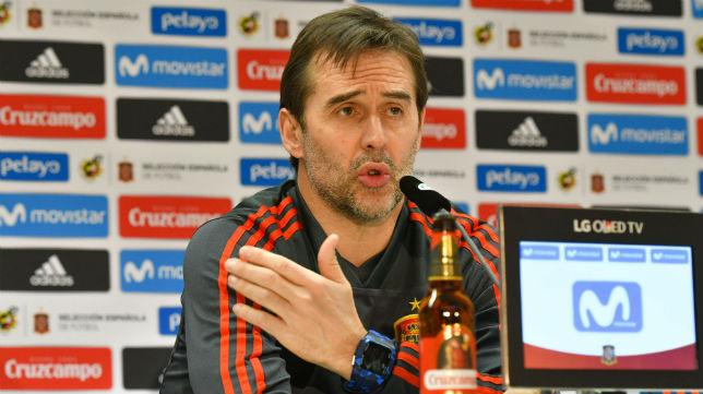 Julen Lopetegui, en una rueda de prensa de la selección española (AFP)