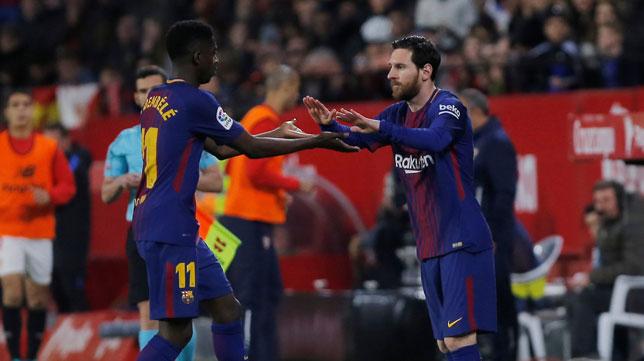 Messi sale en lugar de Dembelé (Foto: Reuters).