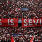 Tifo de la afición del Sevilla ante el Bayern Múnich (Reuters)