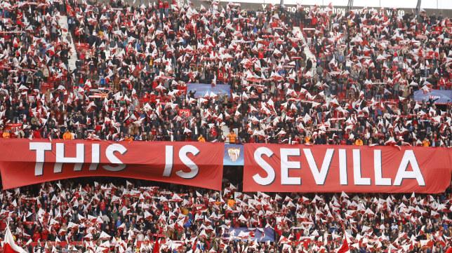 Ambiente antes del Sevilla FC-Bayern. Foto: J. M. Serrano
