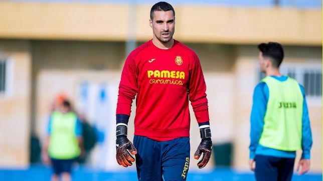Sergio Asenjo, guardameta del Villarreal, durante un entrenamiento (VCF)