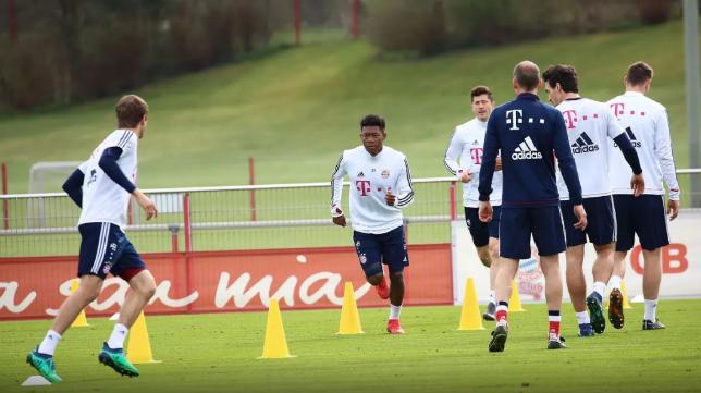 Jugadores del Bayern de Múnich durante un entrenamiento (FCBM)