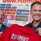 Serra posa junto a Caparrós en la presentación del utrerano como técnico del Mallorca (Foto: ABC)