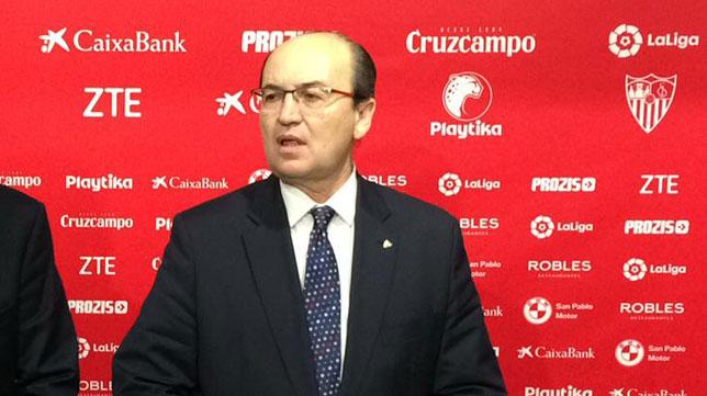 José Castro, en una rueda de prensa del Sevilla