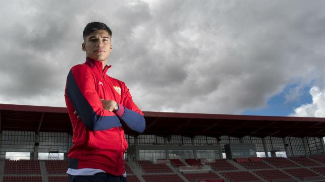 Correa posa para ABC en la ciudad deportiva del Sevilla (Juan José Úbeda)