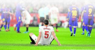 Lenglet se lamenta tras el Sevilla-Barça de LaLiga que finalizó con 2-2
