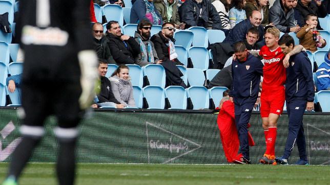 Kjaer se retira lesionado en el Celta-Sevilla