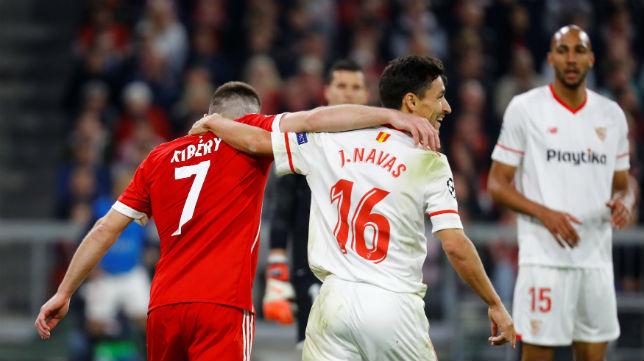 Ribery y Navas se abrazan en el Bayern Múnich.Sevilla (Reuters)
