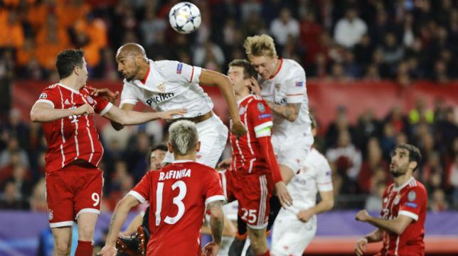Nzonzi y Kjaer saltan por un balón en el encuentro ante el Bayern (Foto: J. M. Serrano)