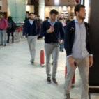 Los futbolistas del Sevilla FC camino de coger el vuelo a Múnich