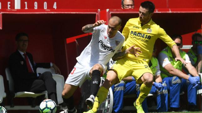 Sandro, en un lance del Sevilla-Villarreal. Foto: J. J. Úbeda