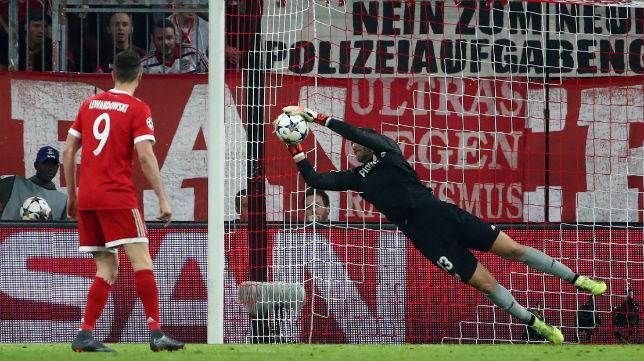 David Soria, en el Bayern Múnich-Sevilla (Reuters)