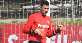 David Soria, en un entrenamiento con el Sevilla FC (Juan José Úbeda)