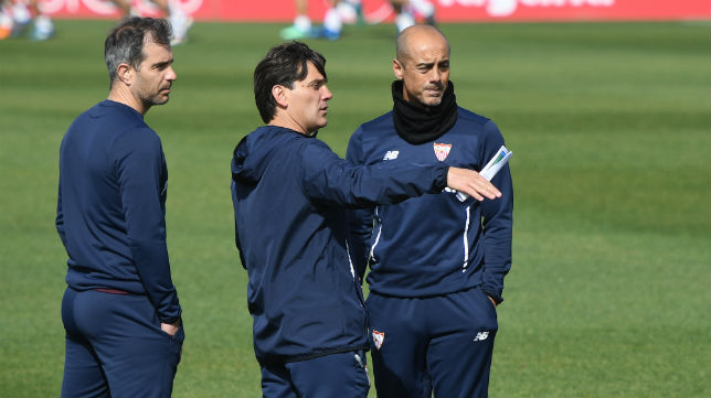 Montella, junto a Nicola Caccia y Enzo Maresca, en un entrenamiento con el Sevilla FC (Juan José Úbeda)