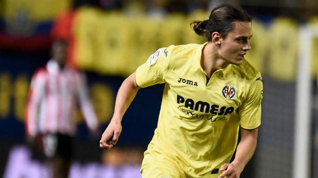 Enes Ünal, jugador del Villarreal, durante un partido de LaLiga (AFP)