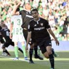 Ben Yedder celebra su gol ante el Betis (foto: EFE)