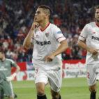 Ben Yedder celebra el primer gol anotado ante el Real Madrid (Foto: Raúl Doblado)