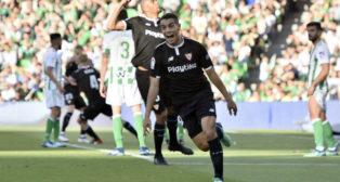 Ben Yedder celebra el 1-2 de Kjaer en el Betis-Sevilla