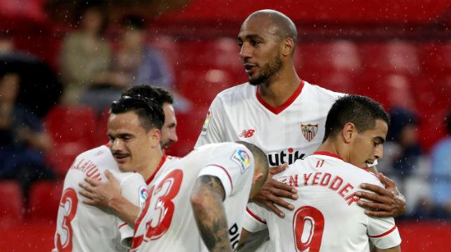 Layún, Roque Mesa, Sandro, Nzonzi y Ben Yedder, en el Sevilla-Alavés (EFE)