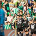 Los jugadores del Sevilla FC celebran el gol del empate en el derbi. Foto: LaLiga