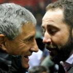 Machín saluda a Setién en el Girona-Betis (Foto: EFE)