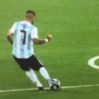 Momento en el que Banega lanza el pase a Messi ante Nigeria