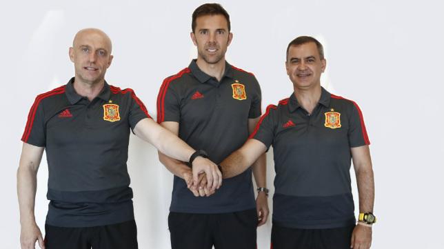 Julián Calero, Juan Carlos Martínez y Carlos Marchena se han incorporado a la selección española en Rusia