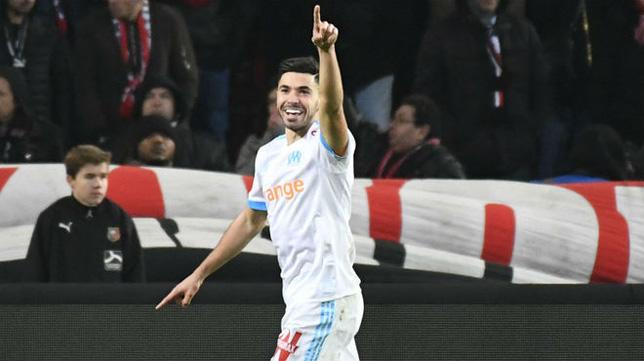 Sanson celebra un gol con el Olympique