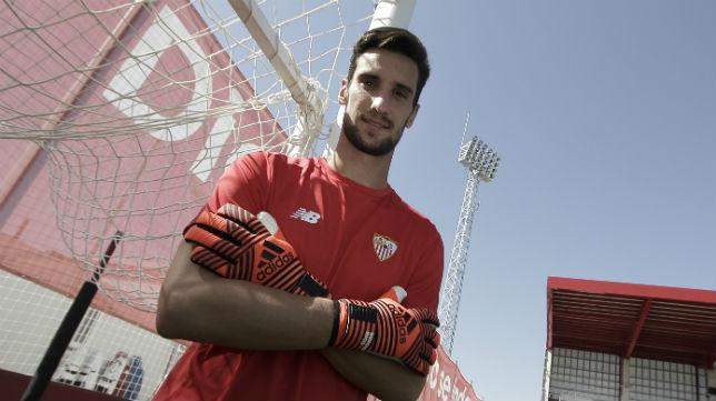 Sergio Rico, en la ciudad deportiva del Sevilla