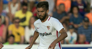 Pejiño, en un lance del amistoso entre el Sevilla FC y el Bournemouth (foto: LOF)