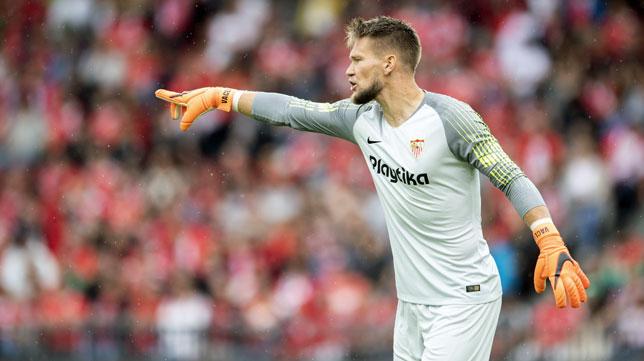 Tomas Vaclik, en el amistoso estival ante el Benfica (foto: EFE/Ennio Leanza)