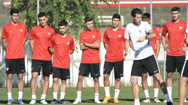 Los canteranos a las órdenes dePablo Machín. Foto: Sevilla FC