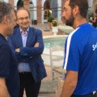 Caparrós, Castro y Machín, en las instalaciones del Villaitana de Benidorm, donde el Sevilla se ha concentrado