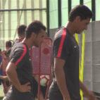 Corchia y Ganso, durante la sesión matinal del Sevilla celebrada este viernes en Benidorm