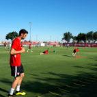 Sergio Rico, entrenando hoy en la ciudad deportiva