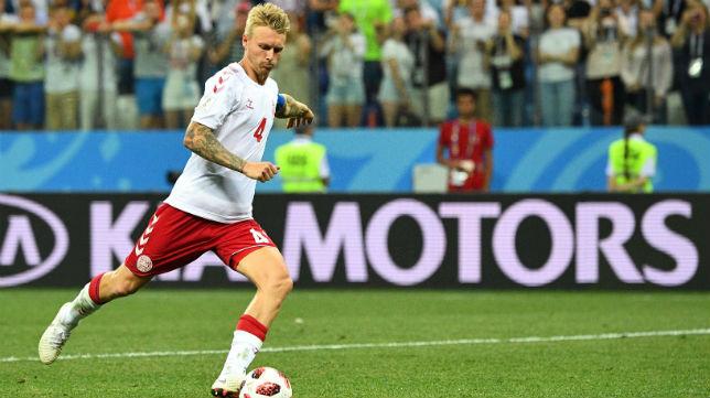 Simon Kjaer marcó uno de los penaltis para su selección durante la tanda final (Foto: AFP)